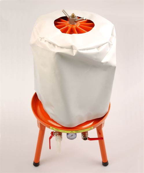 Cover on 40 litre hydropress (available separately)