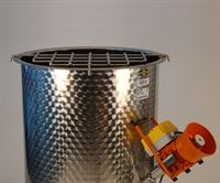 820mm Ø grid to support sugar sack shown on 530 litre Speidel stainless steel mixing tank (available separately) with stirrer/rouser (available separately) in tank
